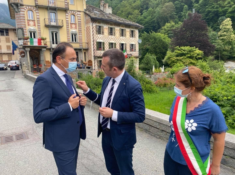 A Rosazza con il presidente Cirio, l'assessore alla protezione civile Marco Gabusi, il sindaco Francesca Delmastro per l'inaugurazione della passerella distrutta dalla furia delle acque dell'alluvione dello scorso ottobre
