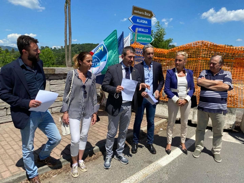 A Romagnano Sesia in conferenza stampa per presentare la mia interrogazione parlamentare sul ponte crollato durante l'alluvione dello scorso ottobre